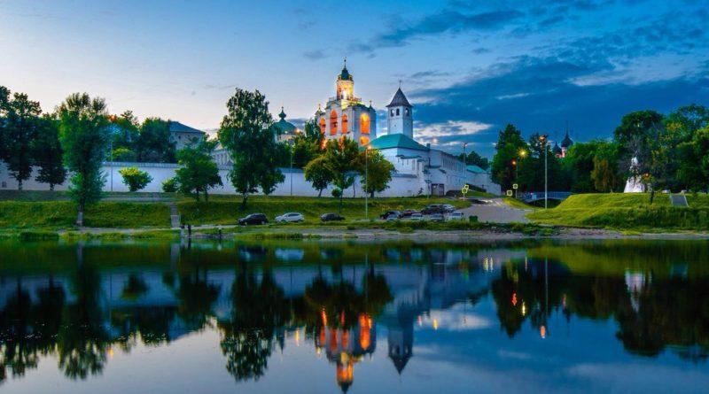 Спасо-Преображенский монастырь в Ярославле.