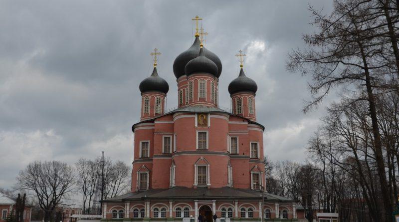 Донской монастырь — один из древнейших в Москве.