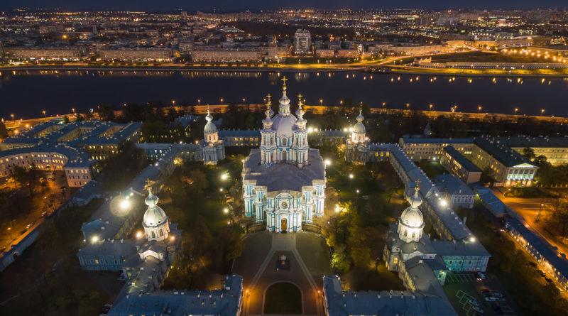 Смольный монастырь в Санкт-Петербурге.