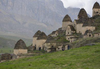 Северная Осетия: Даргавс и Аланский мужской монастырь за один день.